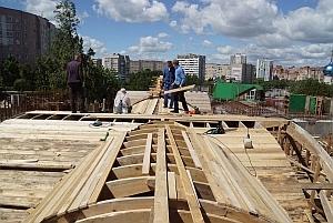К дню памяти святителя Василия Рязанского в строящемся в его честь соборе стены нижнего храма подведены под будущие своды