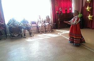 Епархиальный Центр охраны материнства и детства устроил праздник для жителей Мальшинской богадельни