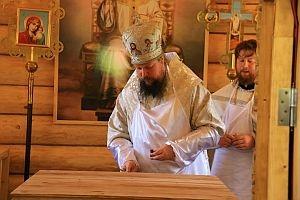 Епископ Дионисий освятил храм в честь святой блаженной Матроны Анемнясевской