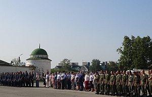 У стен Успенского собора отслужили молебен во славу Рязани