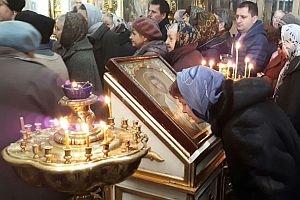 Престольный праздник в честь Алексия человека Божия встретили в Скорбященском храме Рязани