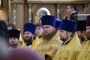 Делегация рязанской общины глухих и слабослышащих молилась за Патриаршим богослужением в московском храме Всех святых, в земле Российской просиявших, в Новокосино